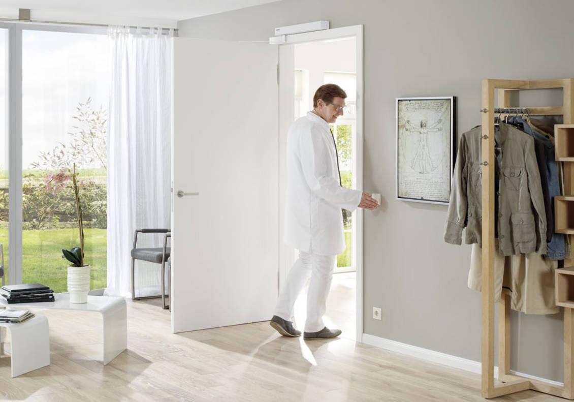 PortaMatic to bezdotykowy system otwierania drzwi wewnętrznych