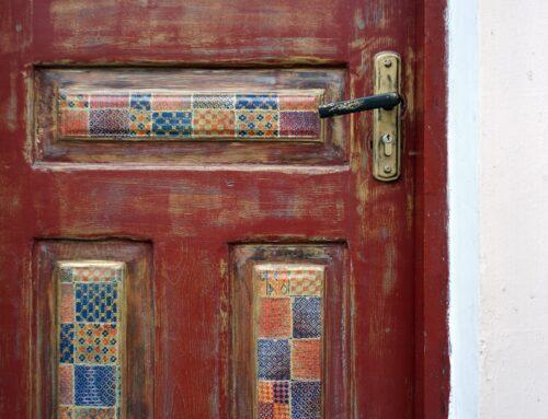 Kiedy wymienić stare drzwi wejściowe?